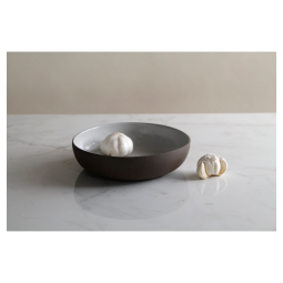 "Jono Pandolfi 8"" Coupe Pasta Bowl – Dark Brown/White"